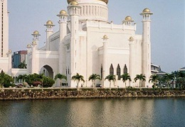 the big Mosque in Brunei's capital BSB. Materials were imported from Venice and England and everywhere to build this.