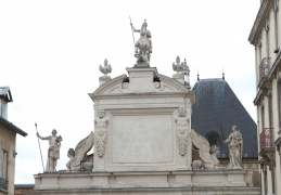 Statue on top of Porte St Georges, Nancy