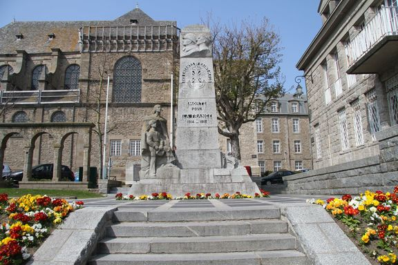 War Memorial within St Malo, Old Town