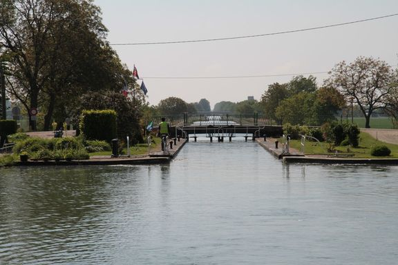 Another lock, approaching Dijon