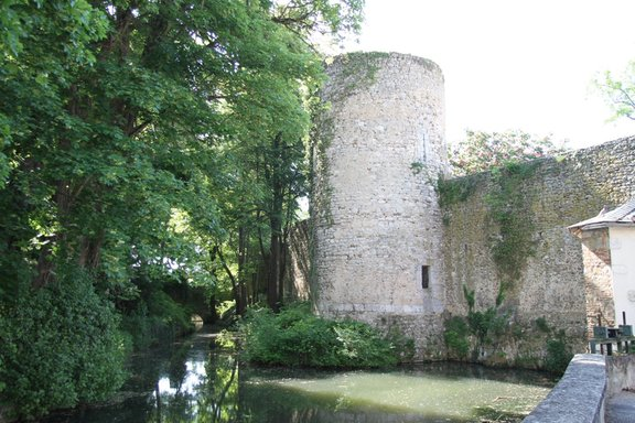 Ancient town walls, Chatillon Coligny