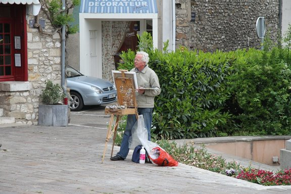 Painter in Town Square, Moret sur Loing