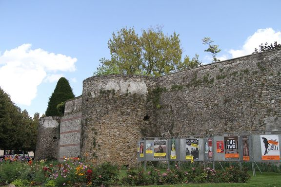 Gallo Roman twon walls, Meaux