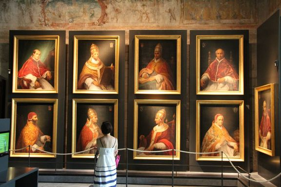 Pope's Palace, Avignon, portraits of popes