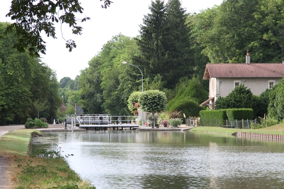 Briare Canal at Dammarie