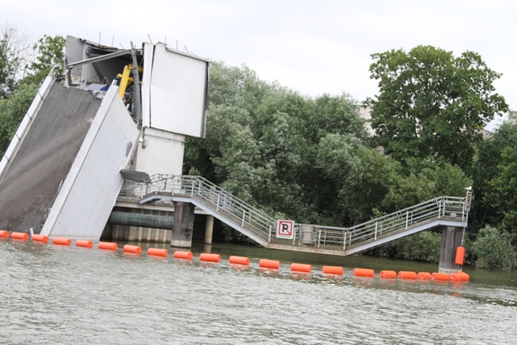Flood damage along the Seine