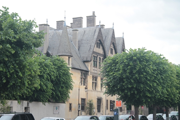 300 Town House Vergeur in Reims