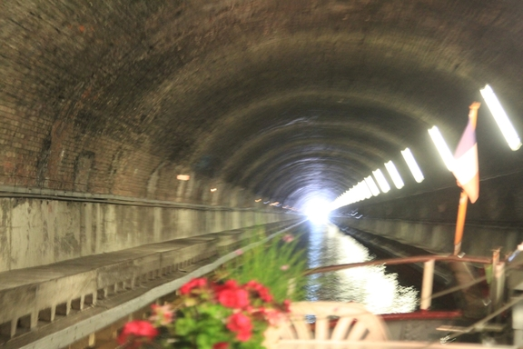 Almost at the end,  Ruyalcourt Tunnel, Canal du Nord