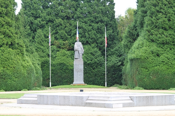 Armistice clearing, Compiegne, memorial to the dead