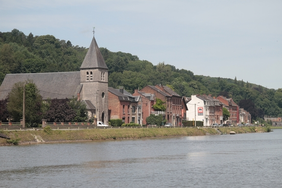 Approaching Dinant