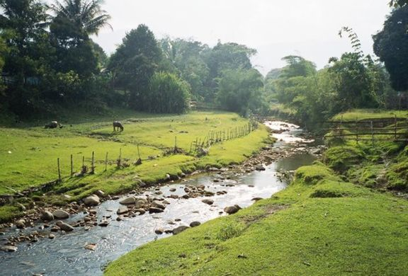 The river running past Buduk Nur.