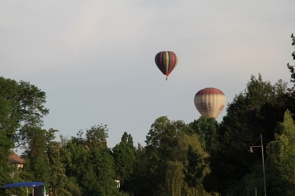 Hot air balloons over Moret sur Loing