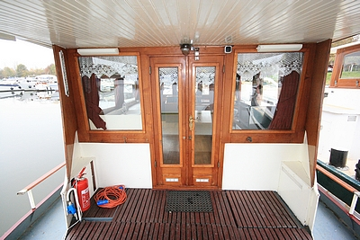 Looking into the wheelhouse from the rear deck